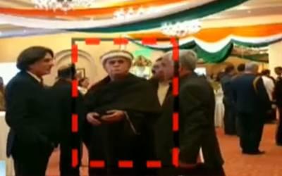 پاکستان کا وہ معروف سیاستدان جو بھارتی یوم جمہوریہ کی تقریب میں شرکت کیلئے پہنچ گیا، نجی ٹی وی چینل نے دعویٰ کردیا