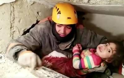 ترکی میں خوفناک زلزلے کے بعد معجزہ، 24 گھنٹے بعد عمارت کا ملبہ اُٹھایا تو نیچے سے کیا ملا؟ دیکھ کر ہر کوئی سبحان اللہ کہنے پرمجبور ہوگیا