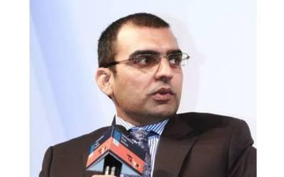 'ووٹ کو عزت دو والی شخصیت نے لاہور کے ایک ایم این اے کو روتے ہوئے وضاحت دی کہ ۔۔۔' صحافی عمر چیمہ کا حیران کن دعویٰ