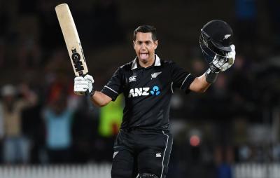 نیوزی لینڈ نے پہلے ون ڈے میں بھارت کو 4 وکٹوں سے شکست دیدی