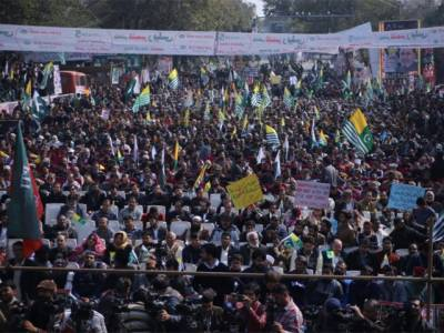 پاکستان سمیت دنیا بھر میں یوم یکجہتی کشمیر منایا گیا،پاکستانی قوم کا اپنے مظلوم کشمیری بہن بھائیوں کے لیے ہم آواز ہوکر واضح پیغام
