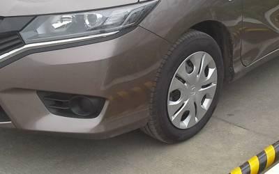 خیبرپختونخوا پولیس کی کارروائی ، 23 قیمتی گاڑیاں برآمد لیکن یہ کہاں سے آئی تھیں؟