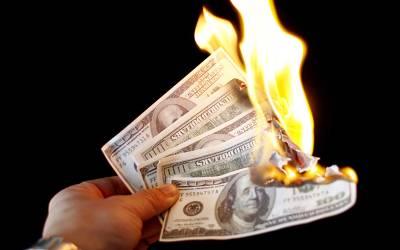 سابق اہلیہ کو ادائیگی کی بجائے لاکھوں ڈالر جلانا کینیڈین شہری کو مہنگا پڑ گیا، سزا مل گئی