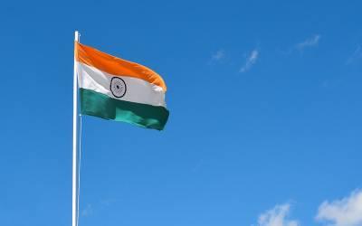 بھارت نے کراچی آنے والا بحری جہاز حراست میں لے لیا
