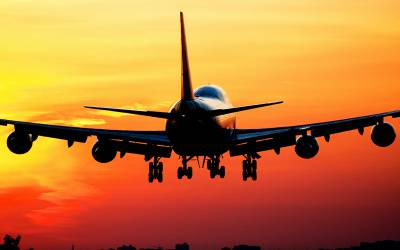 'ایئرپورٹ پر مسلمان مسافروں کی زیادہ تلاشی ہونی چاہیے' بڑی ایئرلائن کے سربراہ کے بیان نے ہنگامہ برپا کردیا