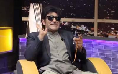 وزیراعظم کی مبینہ تضحیک پر معروف کامیڈین خالد بٹ کے خلاف بڑی کارروائی