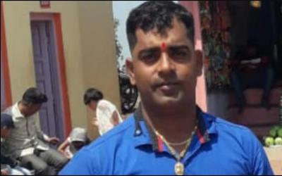 'آپ کے گھر والوں پر ہوا جادو توڑنا پڑے گا' بابا نے ٹونے کا یقین دلا کر ایک ہی خاندان کی 5 لڑکیوں کی عصمت دری کردی
