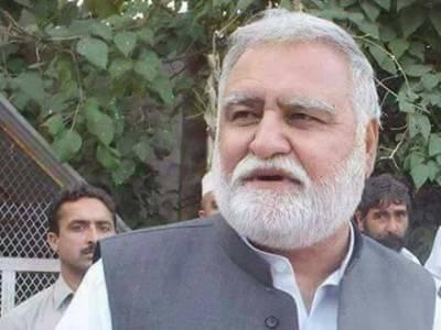 خیبر پختونخوا کے مشیر بلدیات کامران بنگش نےسابق وزیرا علیٰ اکرم خان درانی پر سنگین ترین الزام عائد کر دیا