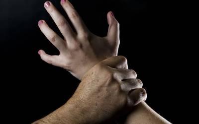 ڈکیتی کے دوران 2 خواتین سے زیادتی، مقدمہ درج