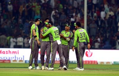 لاہور قلندرز نے دفاعی چیمپین کو شکست دے کر ٹورنامنٹ کی پہلی فتح حاصل کر لی