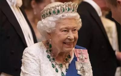 ملکہ برطانیہ کے ساتھ گھر میں ایسا خفت آمیز واقعہ پیش آ گیا کہ یقین کرنا مشکل