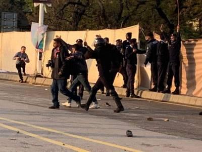 خواتین مارچ پر پتھراؤ ، پیپلز پارٹی بھی میدان میں آگئی ،حکومت سے بڑا مطالبہ کرد یا