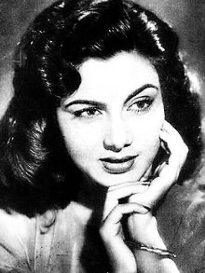معروف اداکارہ نمی انتقال کرگئیں، ممبئی میں سپرد خاک