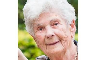 'میں نے اپنی زندگی جی لی، یہ وینٹی لیٹر کسی جوان آدمی کو لگا دو' کورونا وائرس سے زندگی کی جنگ ہارنے والی 90 سالہ خاتون کے آخری الفاظ