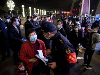 چین نے وائرس سے متاثرہ ووہان میں 76 روزہ لاک ڈاؤن ختم کر دیا،فضائی اور ٹرین سروس بحال،عوام کا جشن