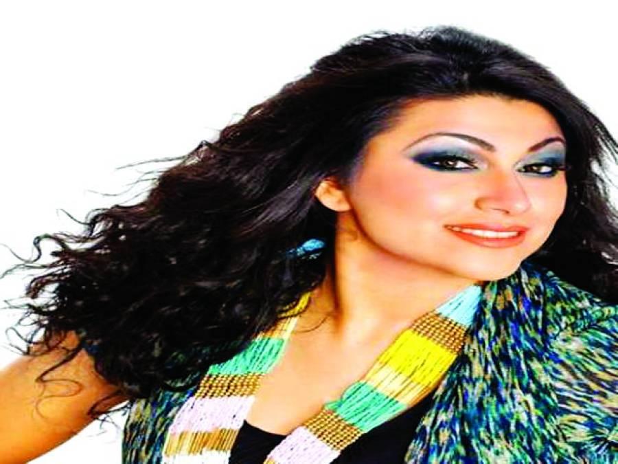 سپنوں کے راجے کی تلاش شروع کر دی ہے' صائمہ خان