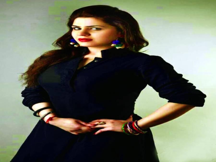 ہمسایہ ملک میں فنکاروں کو بہت عزت دی جاتی ہے،سنہری خان