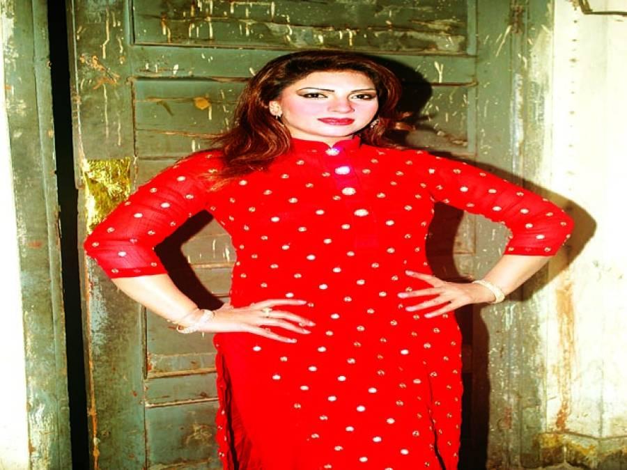 ماہ نور آج سے شروع ہونے والے ڈرامہ ''عشق تیرا پیسہ میرا''میں پرفارم کریں گی