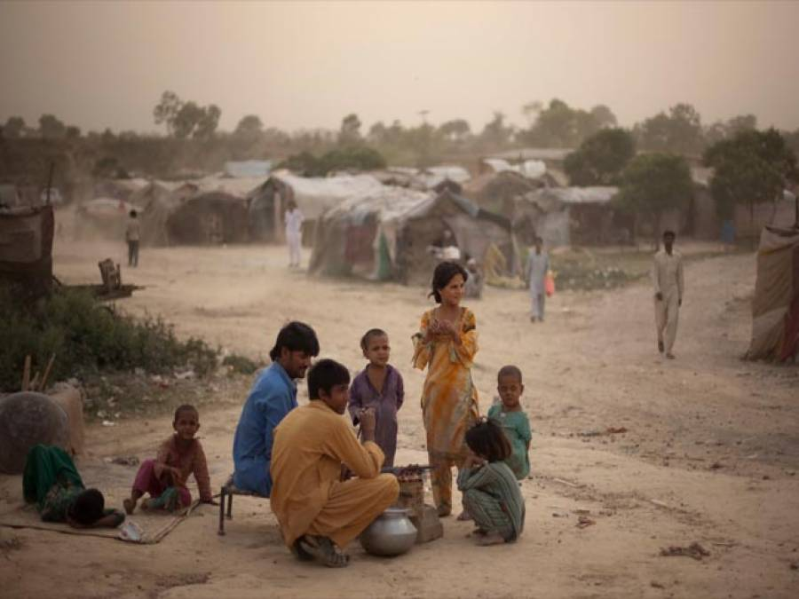 پاکستان میں غریبوں کی زندگیوں کو بدلنے کی ضرورت