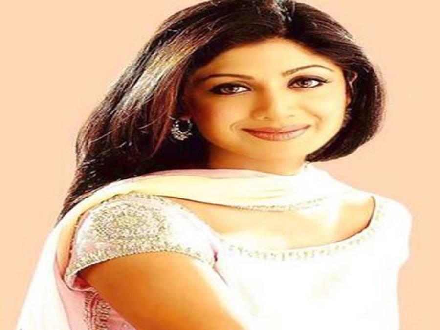 اداکارہ شیلپا سیٹھی فٹنس کے موضوع پر کتاب تحریر کریں گی