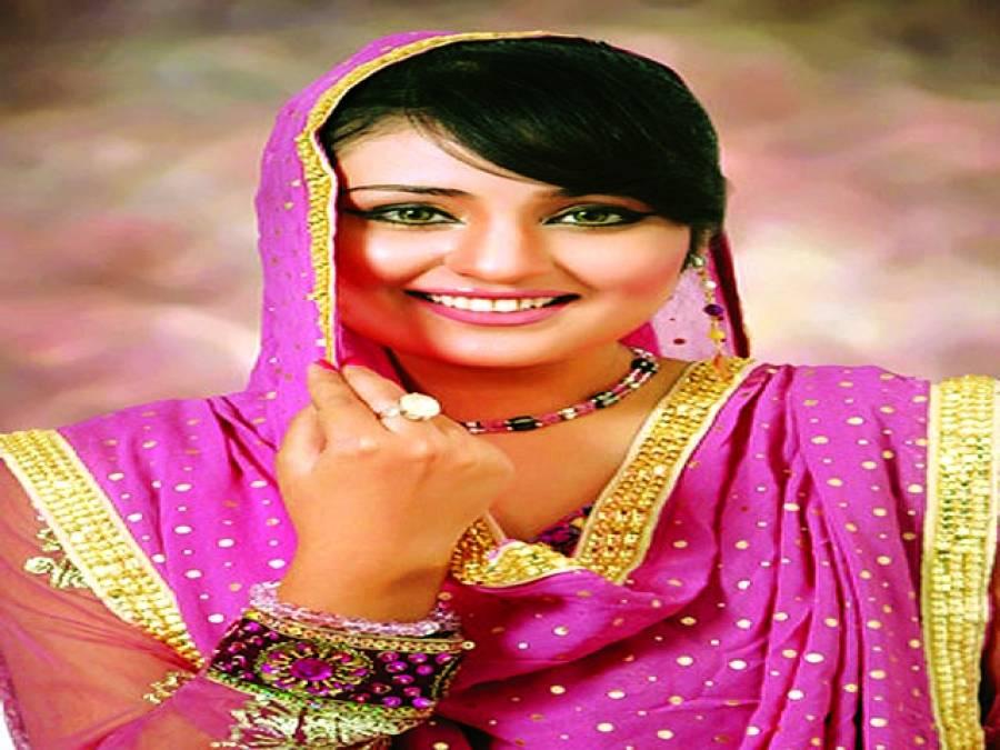 گلوکارہ سائرہ رضا خان کی طویل عرصے کے بعد لاہور میں لائیو پرفارمنس