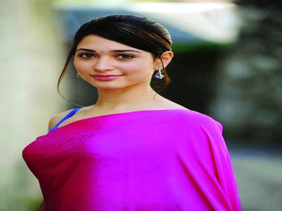 تمنا بھاٹیہ اپنی تامل فلم اوپیری کے ہندی ورژن کی کاسٹ میں بھی شامل
