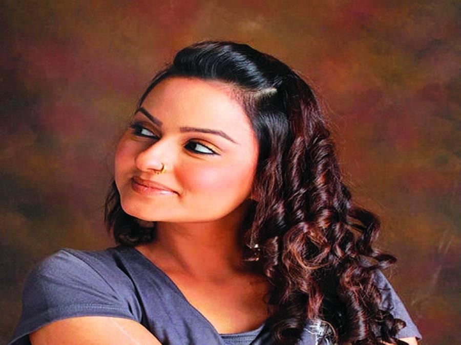 جویریہ عباسی نے نجی ٹی وی چینل کے شو کی میزبانی شروع کردی