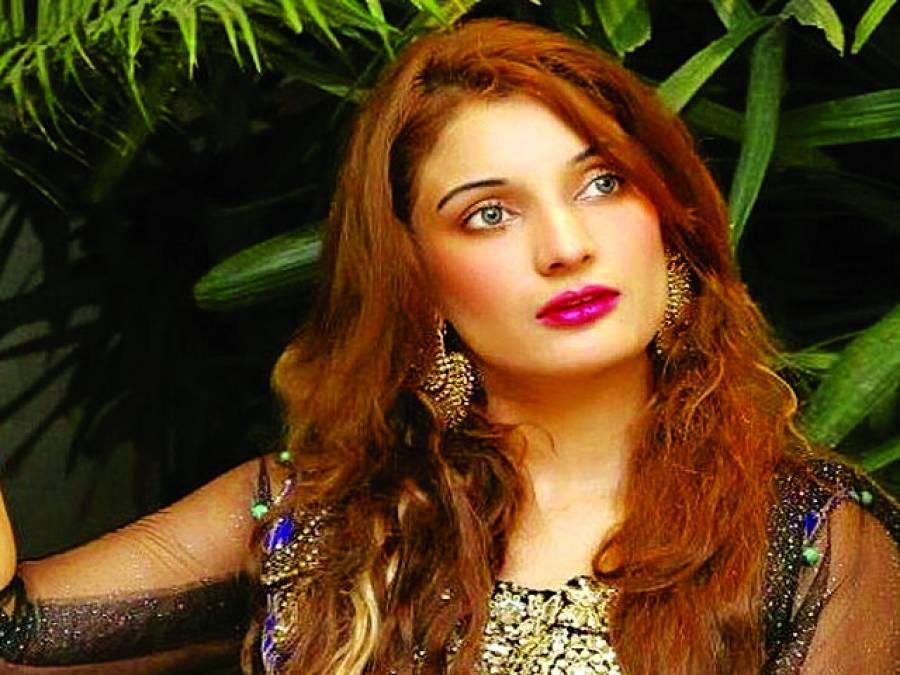 نمرین بٹ 25 نومبر کوابرار الحق کے ساتھ دبئی میں میوزیکل شو میں شرکت کریں گی
