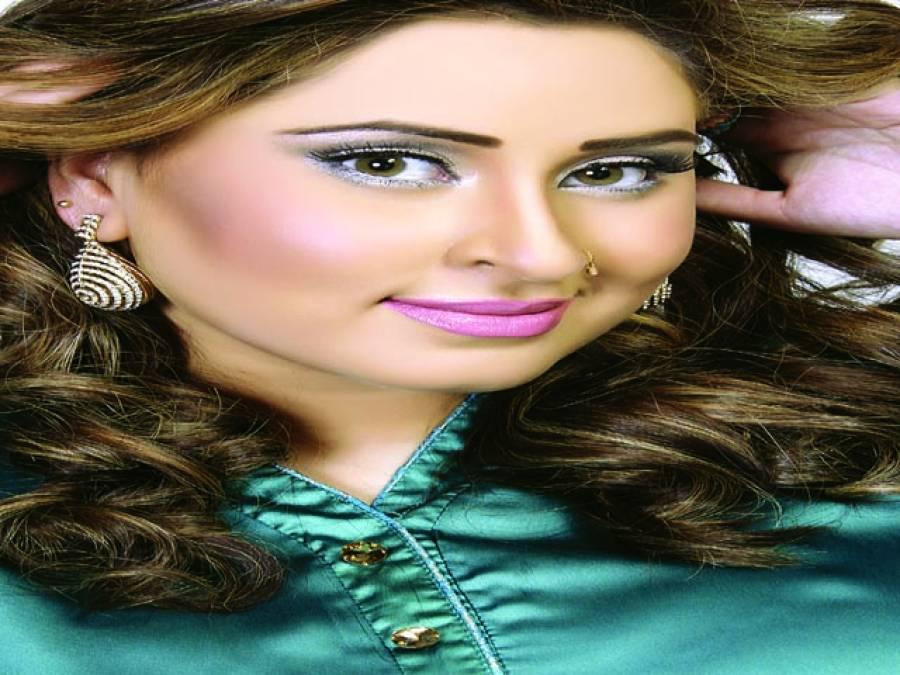 لائبہ خان کا سٹیج ڈرامہ'غلط فہمیاں ''مقبولیت حاصل کرنے لگا