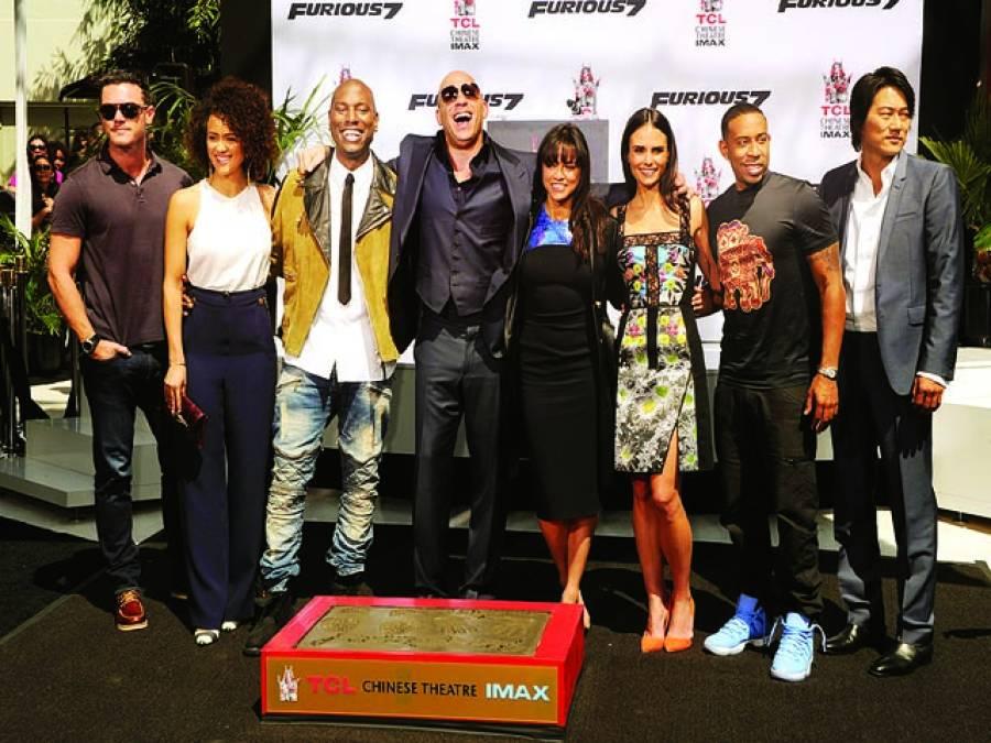 ہالی وڈ فلم''فاسٹ اینڈ فیوریئس 8'' کارنگا نگ ریڈ کارپٹ پریمیئر