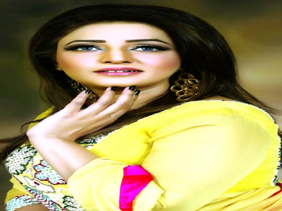 سدرہ نورکی سٹیج ڈرامہ ''اج تو میں تیری''میں زبردست پرفارمنس