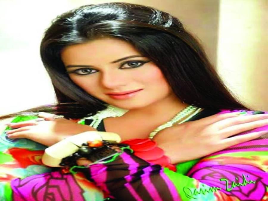 عائشہ بلوچ کی پہلی میوزیکل البم ریلیز کرنے کی تیاریاں