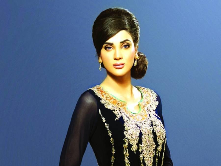 اداکارہ و ماڈل فضا علی کا شوبز چھوڑنے کا اعلان باتوں تک محدود