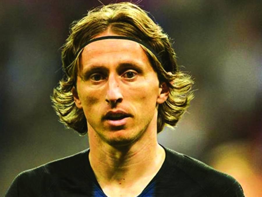کروشیا کے لوکا موڈریچ سال کے بہترین فٹ بالر قرار