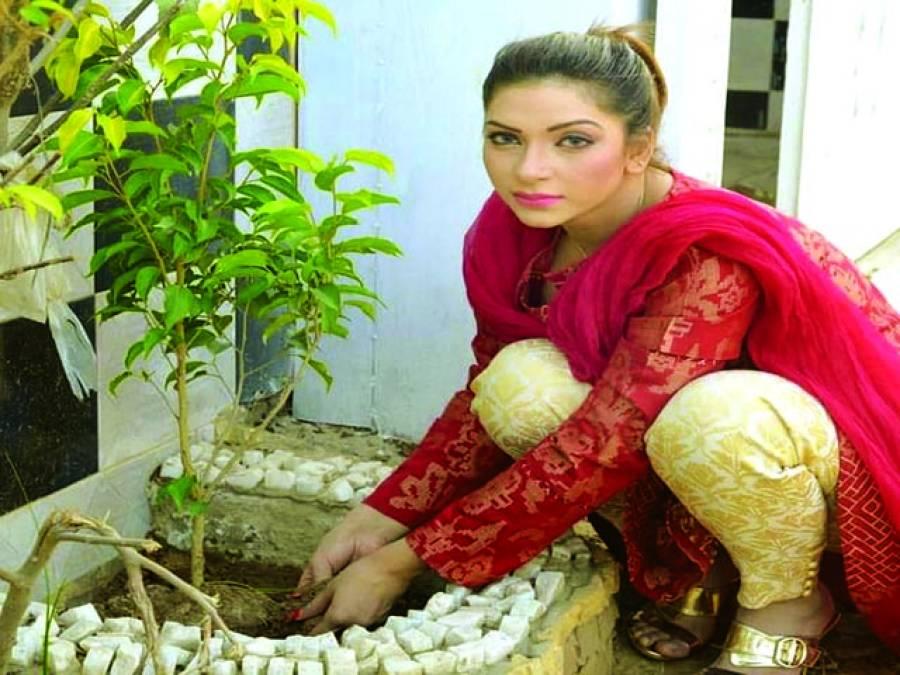 ماہ نور ''کلین اینڈگرین پاکستان' 'مہم کا حصّہ بن گئیں