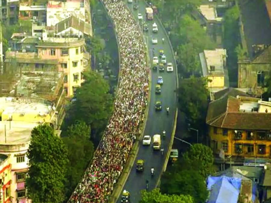 نئی دہلی: بھارت میں کسانوں کے احتجاج میں ہزاروں افراد شریک ہیں