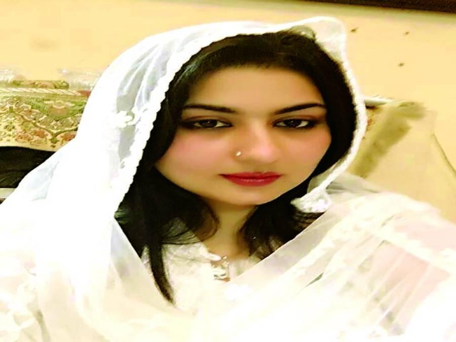 فلم انڈسٹری کی ترقی کیلئے پائیدار پالیسیاں تشکیل دینا ہوں گی ،صومیہ خان