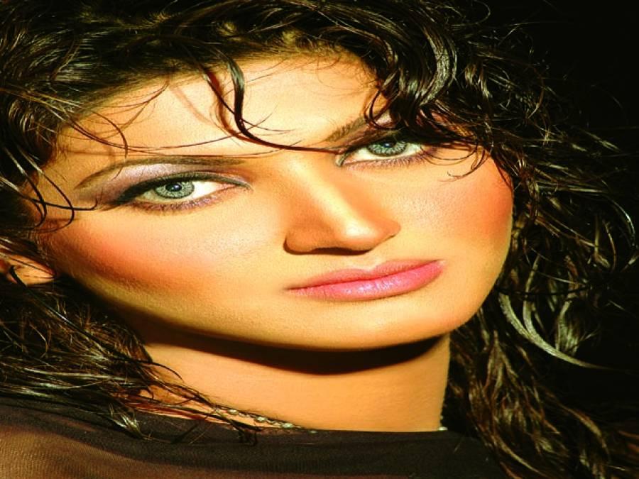ذاتی مصروفیات کی بنا پر اپنی پروڈکشن نہیں کرسکتی،ثناء
