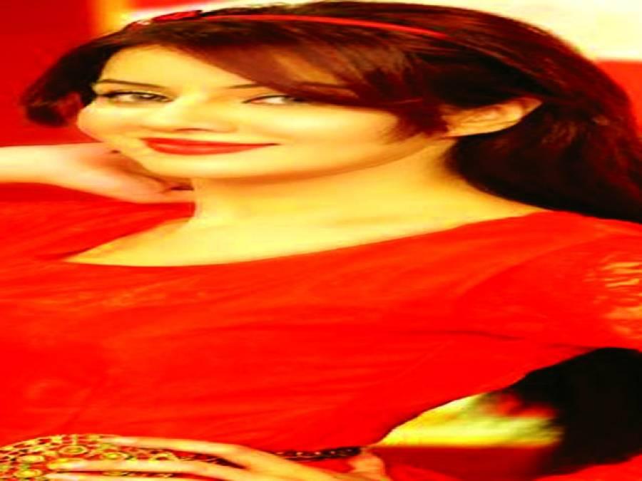 اداکارہ رابی پیرزادہ بھارتی پنجابی فلم میں کام کریں گی، ذرائع