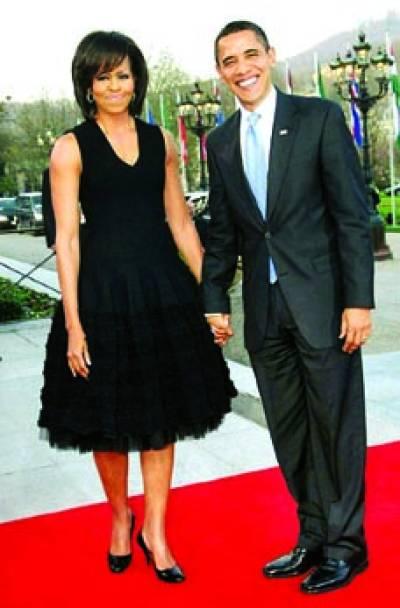 واشنگٹن : امریکی صدر بارک اوباما اپنی اہلیہ مشعل اوباما کے ہمراہ تقریب میں شریک ہیں