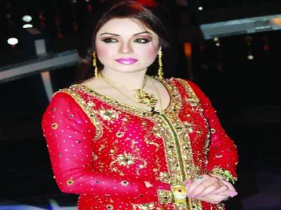 """جنگیں مسائل کا حل نہیں،گلوکارہ شاہدہ منی کی """"پاکستان""""سے گفتگو"""