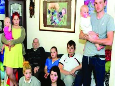 18 بچوں کے برطانوی باپ نے کبھی کام نہیں کیا