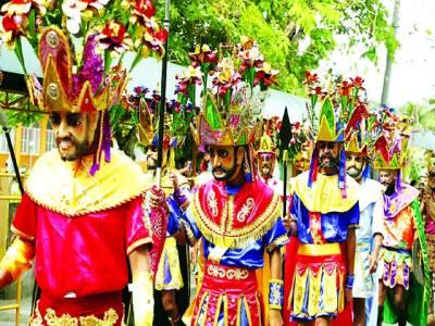 منیلا:فلپائنی روائتی لباس پہنے سالانہ تقریب میں شریک ہونے کیلئے جا رہے ہیں