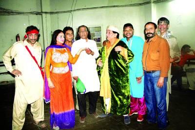 """سٹیج ڈرامہ""""مسٹر راجہ""""رقص اور کامیڈی کا شاندار امتزاج"""