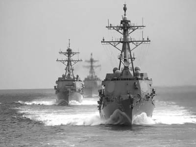 بیجنگ: چینی بحریہ کے جہاز سمندر میں گشت کررہے ہیں