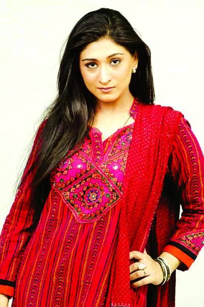 اداکارہ مدیحہ رضوی کی پانچ ماہ کے لئے شوبز سے کنارہ کشی