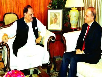 اسلام آباد ،تیونسیہ کے سفیر مراد بورہیلا صدرِ مملکت ممنوں حسین سے ملاقات کر رہے ہیں