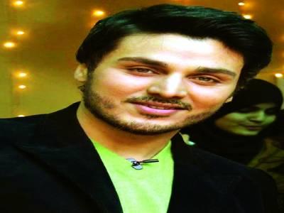 احسن خان پہلی ہی پروڈکشن پر بیسٹ پروڈیوسر کا لکس ایوارڈ حاصل کرنے میں کامیاب