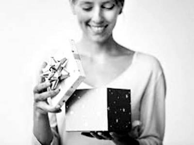 تحفہ وصول کرنے کے بعد شکریہ کا خط لکھنے کا حیرت انگیز فائدہ تحقیق میں سامنے آ گیا