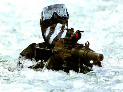پیانگ یانگ: شمالی کورین فوجی برف میں جنگی مشق کر رہا ہے